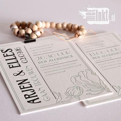Letterpress trouwkaart Art Deco met bloem