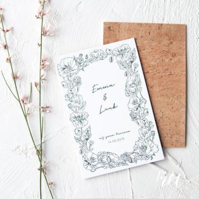 A Letterpress trouwkaart met bloemen en kurk!